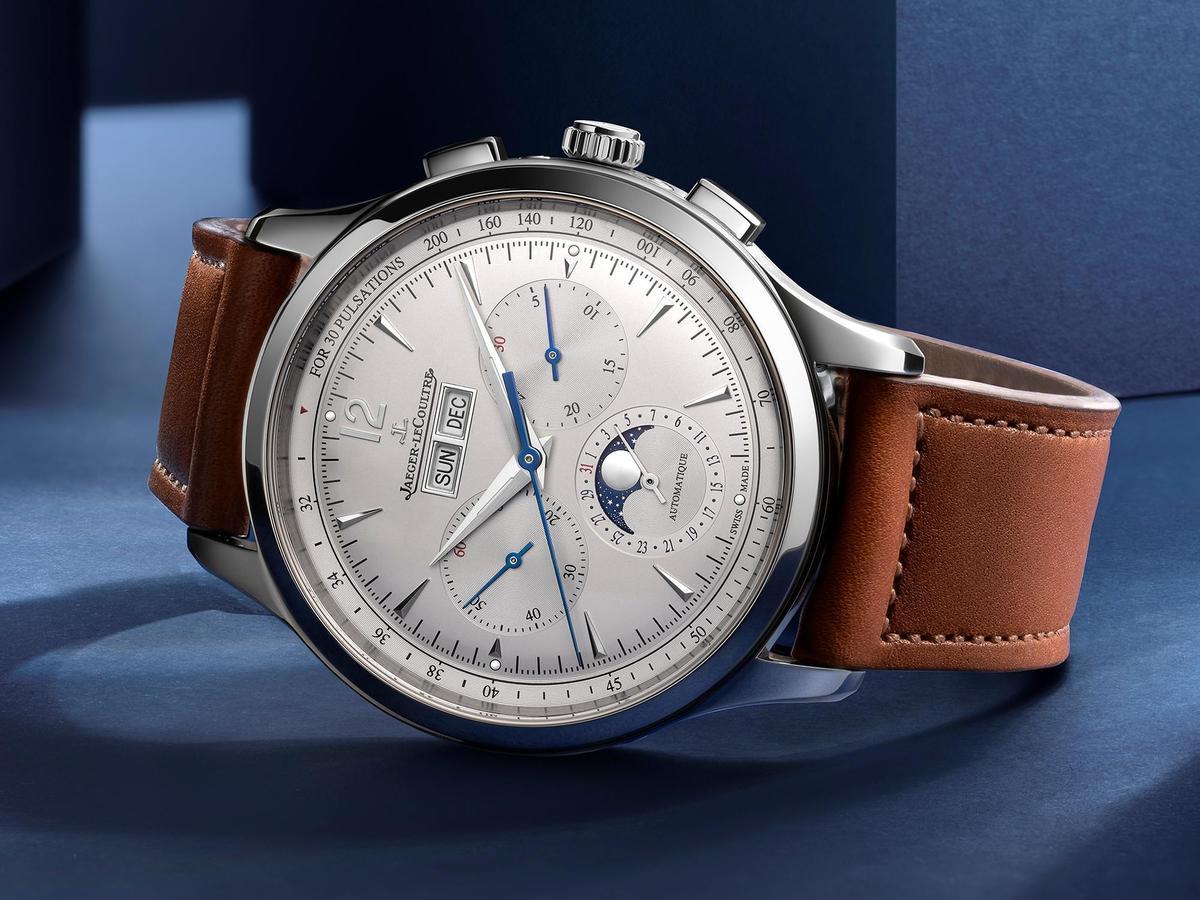 Master Control大師系列全曆月相計時碼錶,這是積家首度推出的功能組合。40mm不鏽鋼錶殼,裝載全新759型自動上鏈機芯,動力儲存65小時,參考價約NT$458,000。