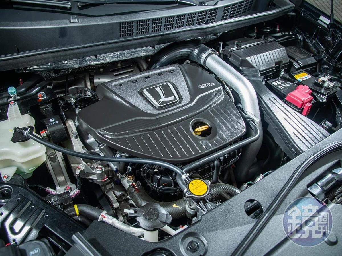 1.8升渦輪增壓引擎與U6 GT、S5 GT是同一個動力單元。