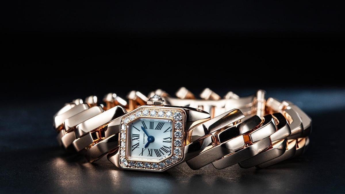 18K玫瑰金材質、時間指示、鑲嵌25顆圓形明亮式切割鑽石、建議售價約NTD 955,000(攝影:游銘元)