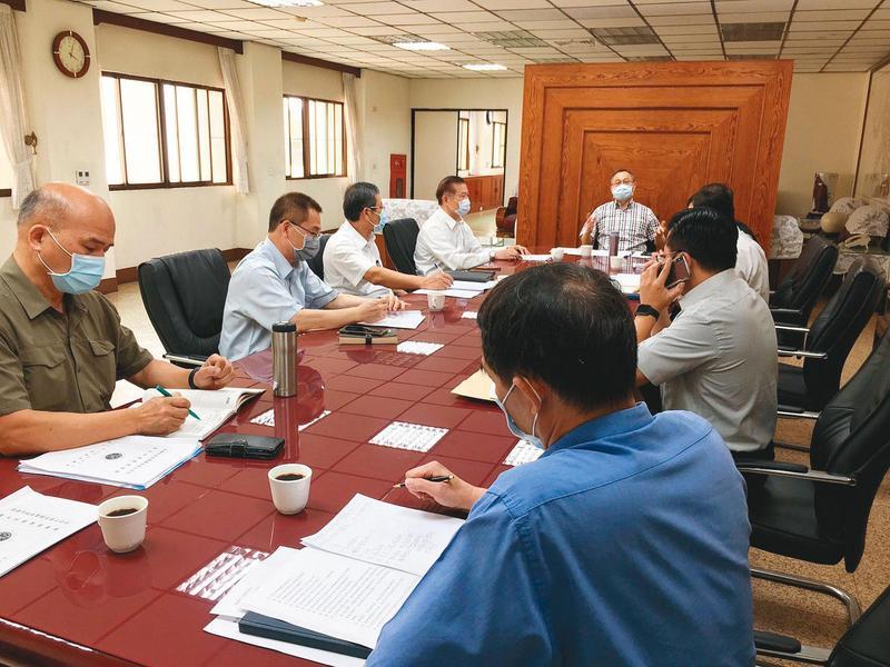 警政署長陳家欽十分重視桶屍案,案發第2天親自南下主持專案會議。(警方提供)