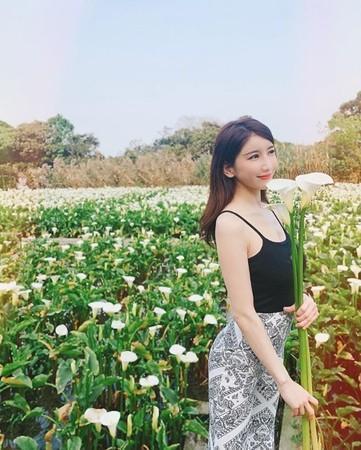 日本寫真女星亞里沙真來台,讓大票網友受寵若驚。(翻攝自IG)