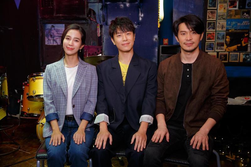 韋禮安新歌〈不用告訴我〉MV邀請温貞菱和男星姚淳耀演出,3人在現場不斷搞笑。(The Orchard提供)