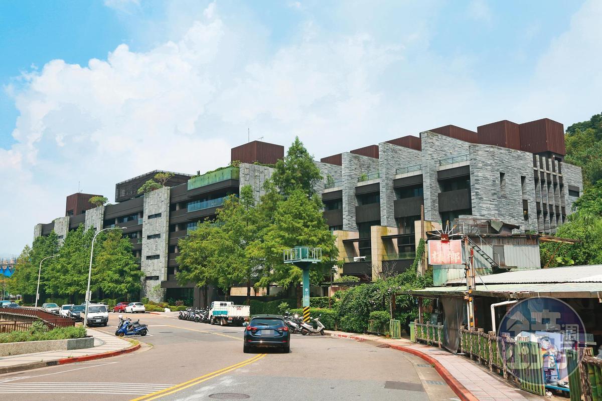 蕭敬騰對於北市南港價值逾2億元的豪宅,曾說:「買房肯定是一種圓夢的感覺,是從無到有、非常踏實的過程。」