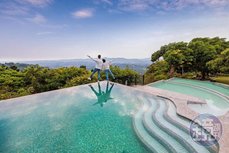 「仙湖農場」的戶外無邊際戲水池,是每位遊客到此必拍的角落。
