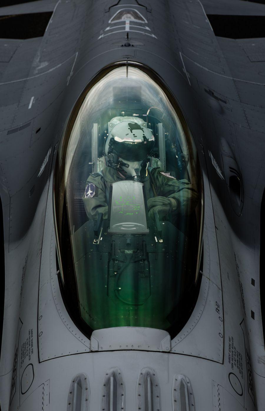 BELL & ROSS BR 03-92 HUD採用的抬頭顯示器主題,源自於戰鬥機。