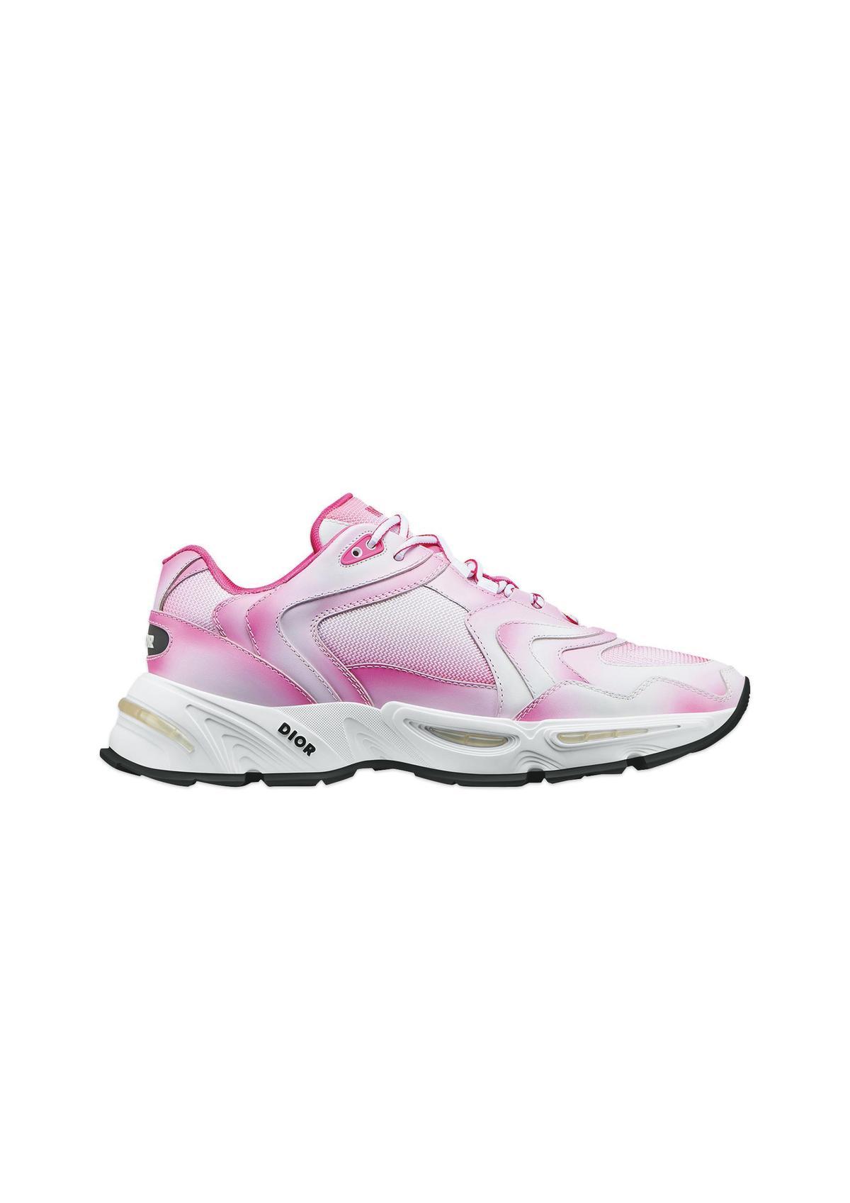 CD1粉色漸層網孔休閒鞋NT$40,000。(Dior提供)