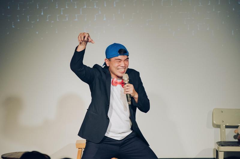 張碩修表示,台灣把站立喜劇稱做脫口秀,是有趣的誤會。(卡米地俱樂部提供)