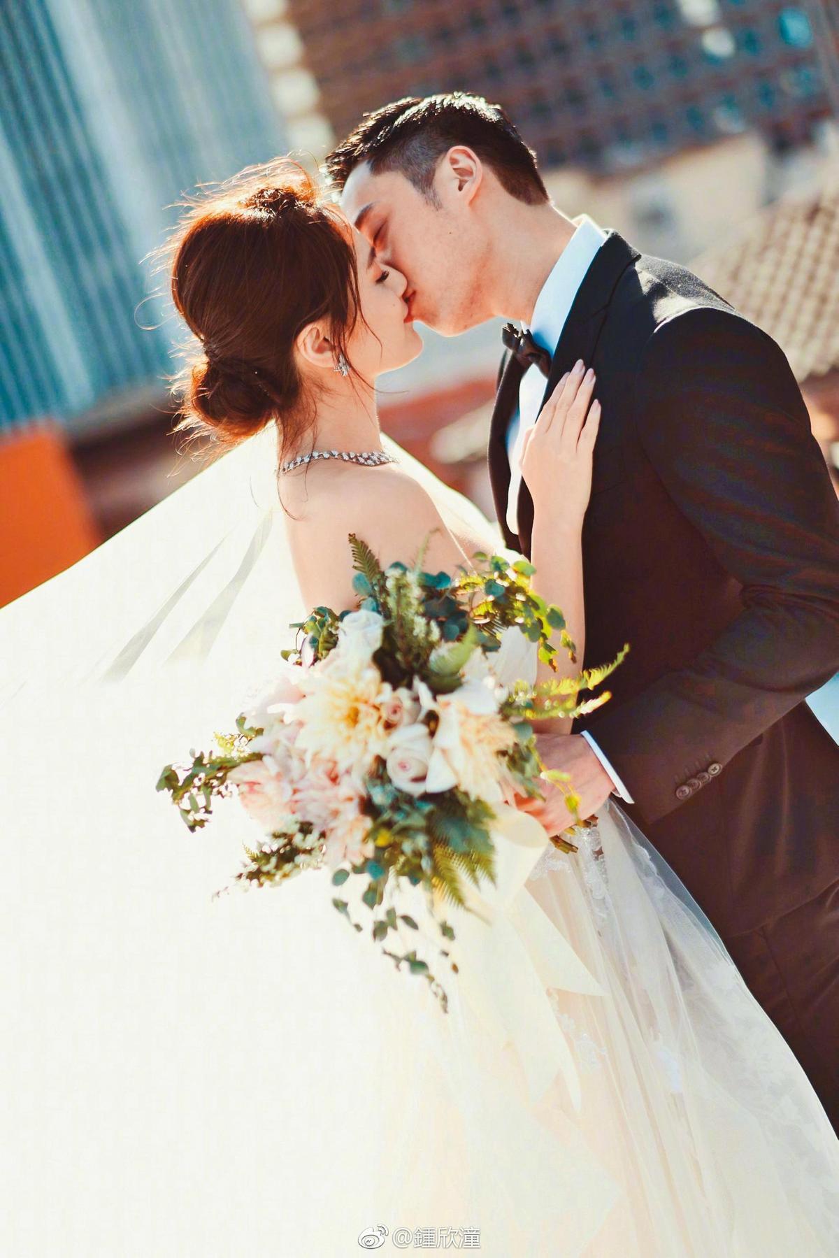 賴弘國(右)跟港星阿嬌2018年結婚,人前人後都表現得很恩愛,怎知婚姻只維持14個月就結束。(翻攝自賴弘國IG)