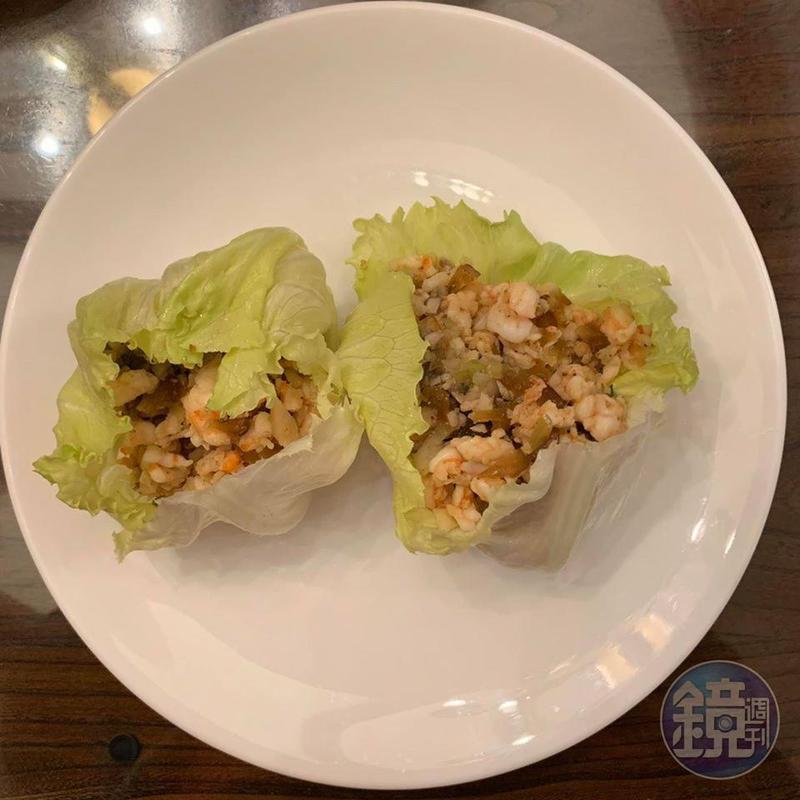 「生菜蝦鬆」是古早名菜「炒鴿鬆」的演進版,很多餐廳都能吃到,自己在家做其實也不難。