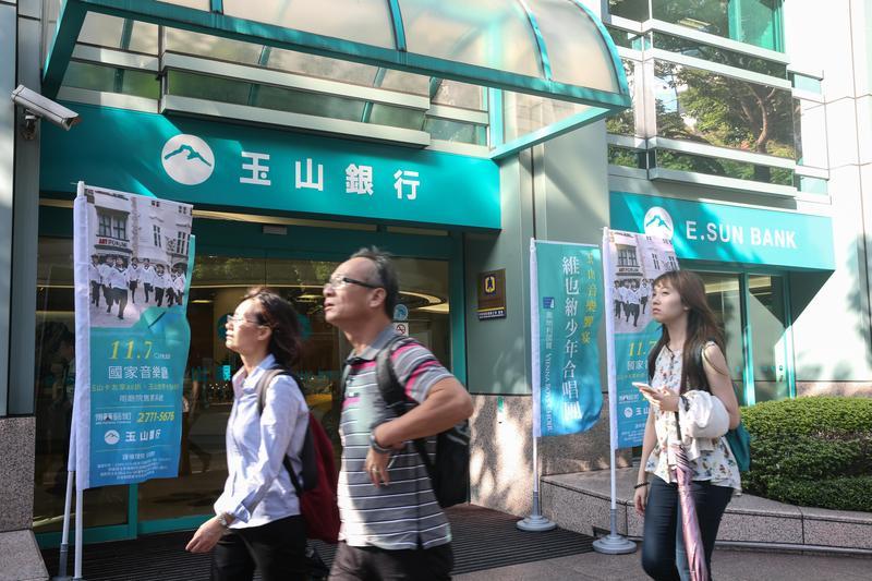 今年3月楊燁搶了一波短線,投資玉山金7天,報酬率達20%。