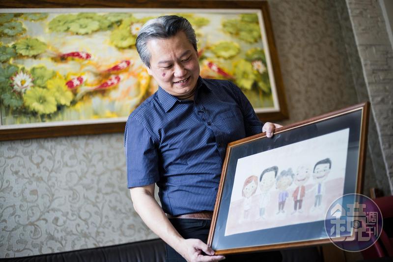 家屬畫的陳志金醫療團隊與病患,感謝他們對家人的盡心照顧。