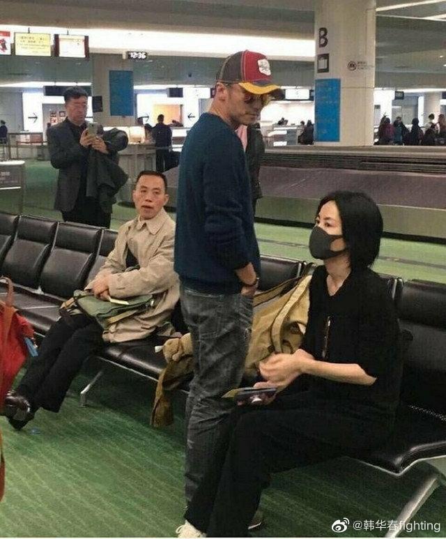 謝霆鋒與王菲2014年復合,之前還被網友巧遇一起出遊。(翻攝自微博)
