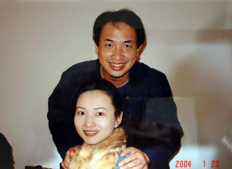 王宇芬很年輕就嫁進耐斯集團,老公是陳哲芳的二兒子陳冠如。(王宇芬提供)