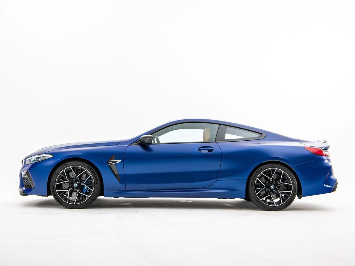 BMW以優雅流暢的跑車線條勾勒出BMW M8令人震懾的磅礡氣勢。