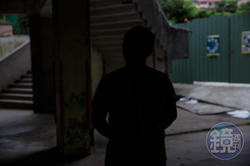 L姓球員遭學弟控訴性霸凌,他喊冤極力否認,卻遭教練暴力對待。