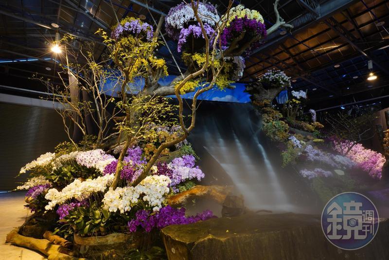 展場內的水圳是用帆布一塊塊搭出來的,氣勢壯闊。