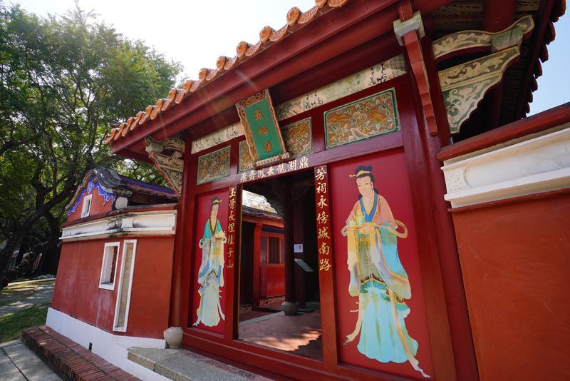 位在中西區的五妃廟是國定古蹟,迄今300餘年。
