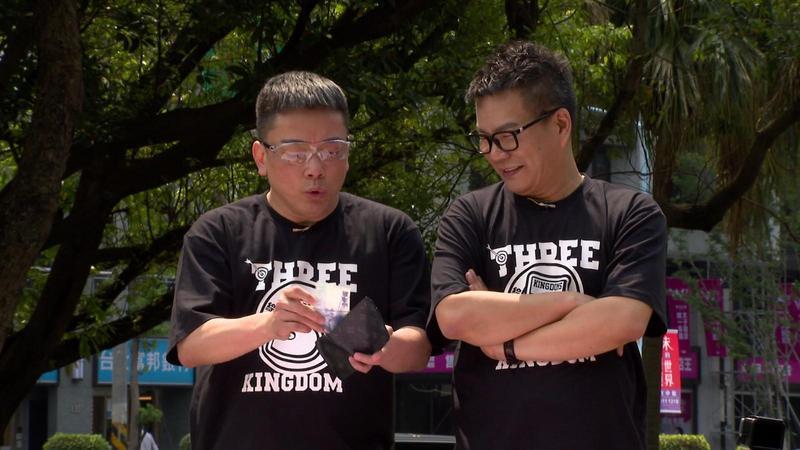 沈玉琳和詹惟中需在節目《綜藝3國智》合作完成挑戰。(台視提供)