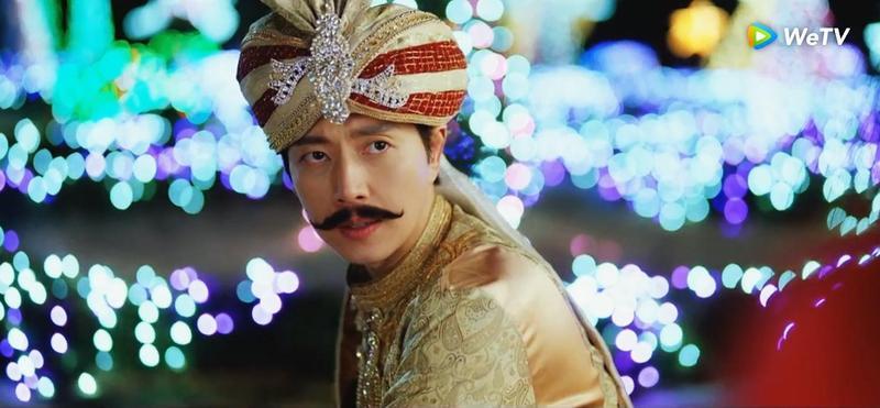 朴海鎮跳滑稽「辣雞舞」笑噴飯。(WeTV提供)