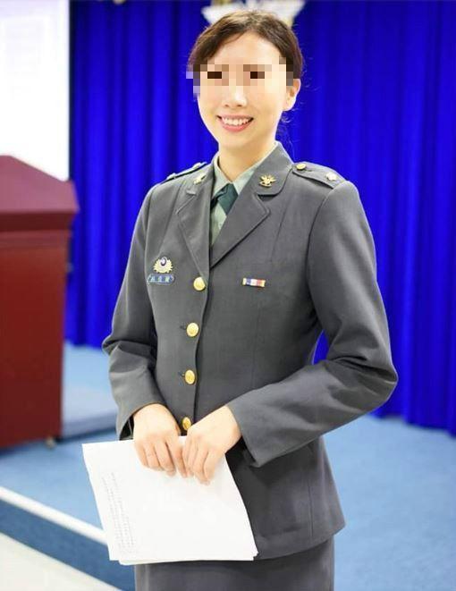 林姓女少校曾任莒光園地主播,外型亮麗。(翻攝林女臉書)