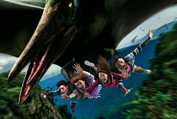 日本遊樂園業者呼籲,因應防疫,搭雲霄飛車時避免大叫。(示意圖,翻攝自日本環球影城官網)