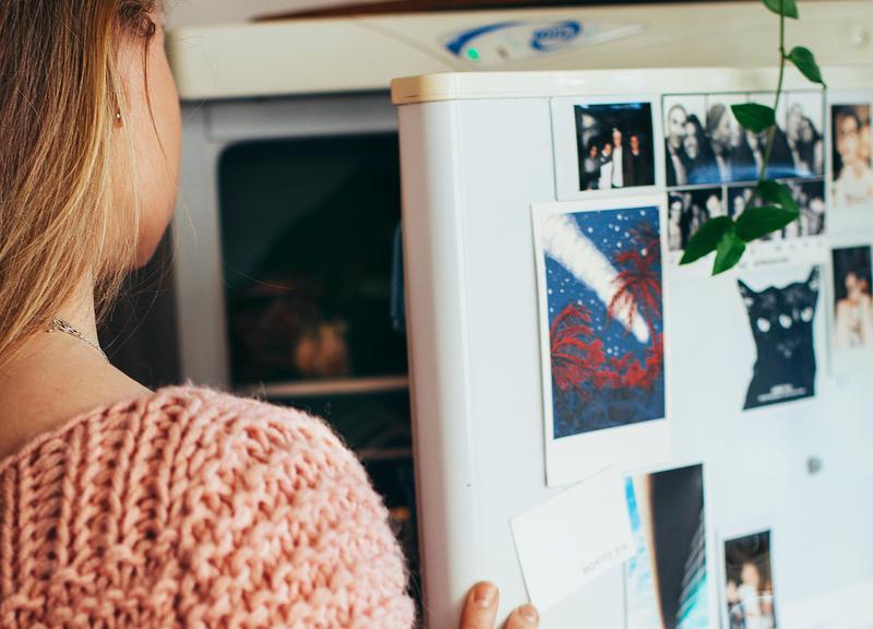 美國一名女子為詐領老人年金將阿嬤的屍體冰藏16年,直到日前有人前來看屋打開冰箱才發現。圖為示意圖。(取自pexel)
