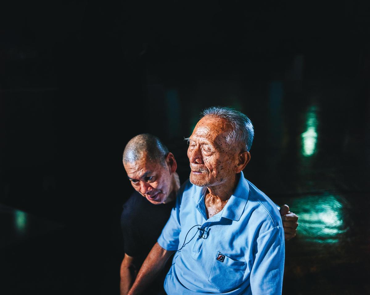 導演蔡明亮(左)對聲音與影像搭配有獨特見解,並與曹源峰合作《你的臉》等多部作品。(汯呄霖提供)