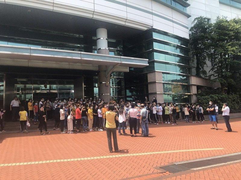 越南移工傳罷工,仁寶否認非法扣款。 (翻攝越南移民移工辦公室)