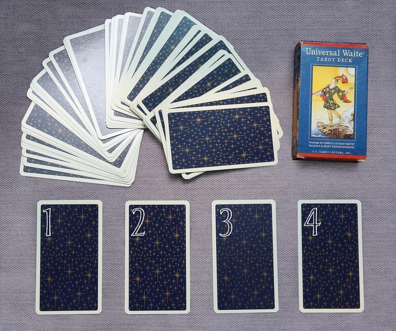 請憑直覺從1、2、3、4這四張牌中選出一張。