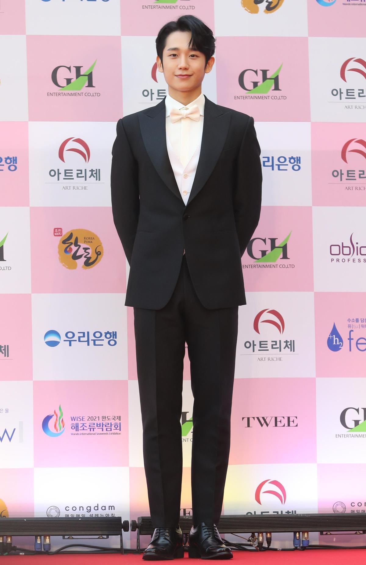丁海寅憑藉《愉悅的音樂專輯》拿下大鐘獎新人獎。(東方IC)