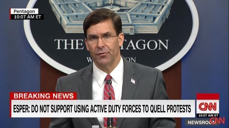 美國國防部長艾思博表態不支持使用現役部隊來平息抗爭。(翻攝自CNN Youtube頻道)