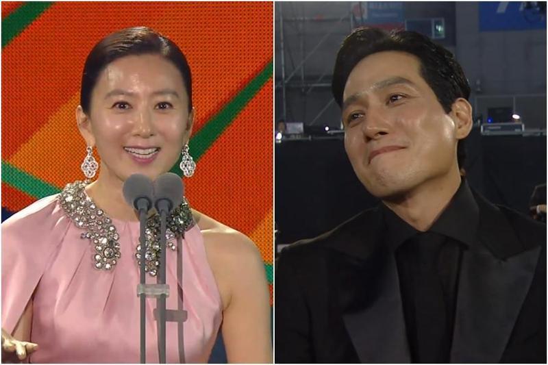 金喜愛(左圖)以《夫婦的世界》拿下百想視后,劇中老公朴海俊激動泛淚。(翻攝JTBC畫面)