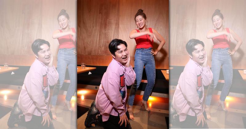 蘇友謙日前開心與連靜雯合體線上直播,兩人即興上演八點檔「婚禮鬧事」橋段。(友恆國際提供)