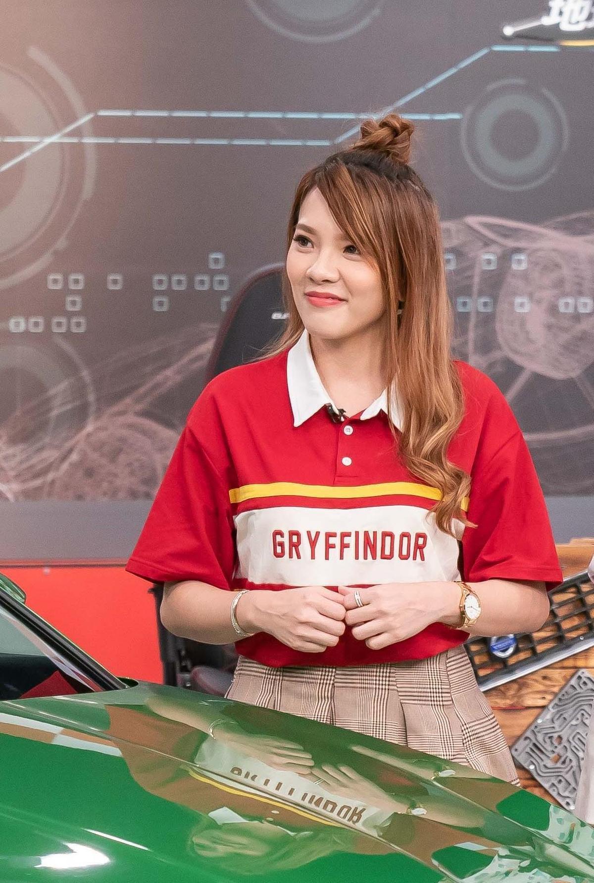 小優透露自己開車技術好到前男友屢屢在車上睡著,還要她當司機幫忙開車。(圖/TVBS提供)