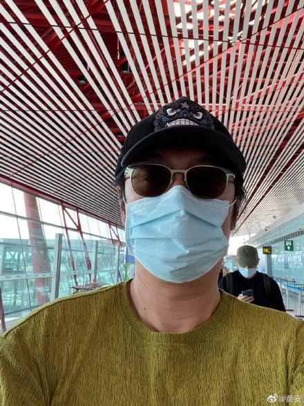 黃安的口罩被發現仍是「Made In Taiwan」而引起爭議。(翻攝黃安微博)
