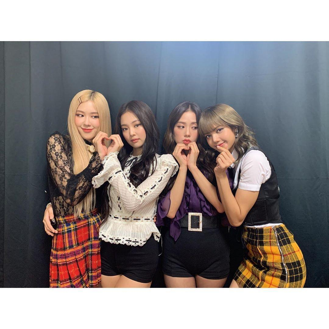 「BLACKPINK」Rose(左起)、Jennie、Jisoo、Lisa在東南亞擁有高人氣。(翻攝BLACKPINK IG)