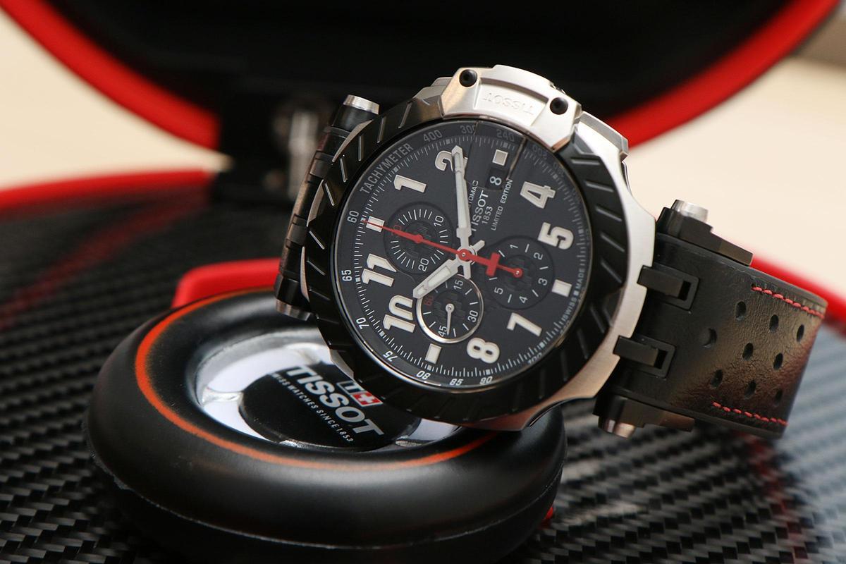 Moto GP系列2020年限量版,45mm精鋼錶殼,裝載C01自動機芯,限量3,333只,定價NT$42,000。