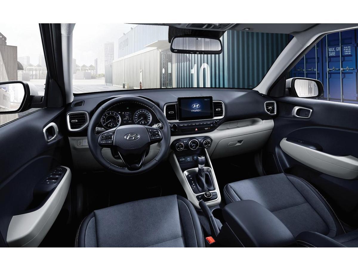 配備完整的8吋懸浮式 Apple CarPlay&Android Auto裝置,與6種Drive Mode駕駛模式。