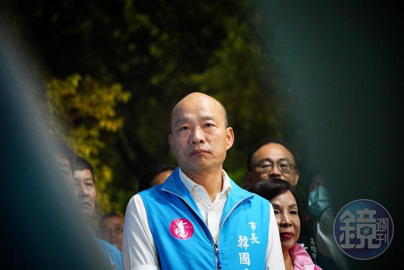 韓國瑜將已故議長許崑源和美麗島雜誌創辦人鄭南榕相提並論,遭各界撻伐。