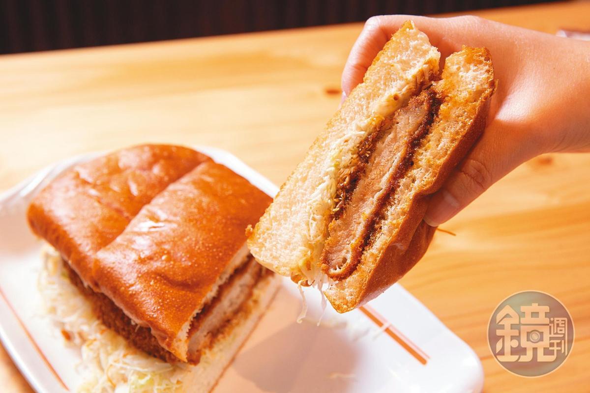客美多的味噌豬排三明治分量十足,香酥豬排搭配鬆軟麵包和微甜鹹的味噌醬,開胃加分。(220元/份)
