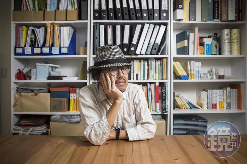22年的編輯生涯中, 最後10年周易正都在腦瘤的威脅中且戰且走, 因應病情,調整出版方向。