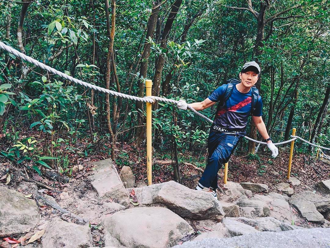 林俊傑最近一得空,也外出爬山,展開健康生活。(翻攝自林俊傑IG)