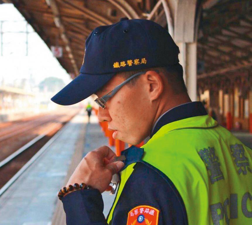 被刺員警李承翰年僅25歲,為家中獨子,工作認真,不料因公殉職。(警方提供)