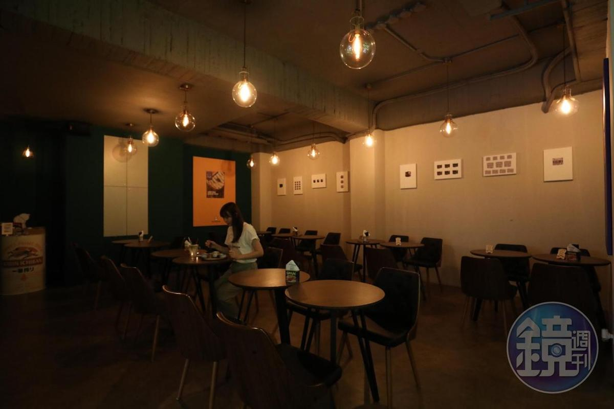 「mr.kanso」台灣1號店除有吧檯位置,也有內用位置。