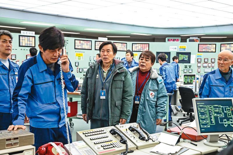 以《福島核事故真相》為故事藍本,電廠內部人員以肉身前進最前線處理危機,電影調性冷靜卻感人。(双喜提供)