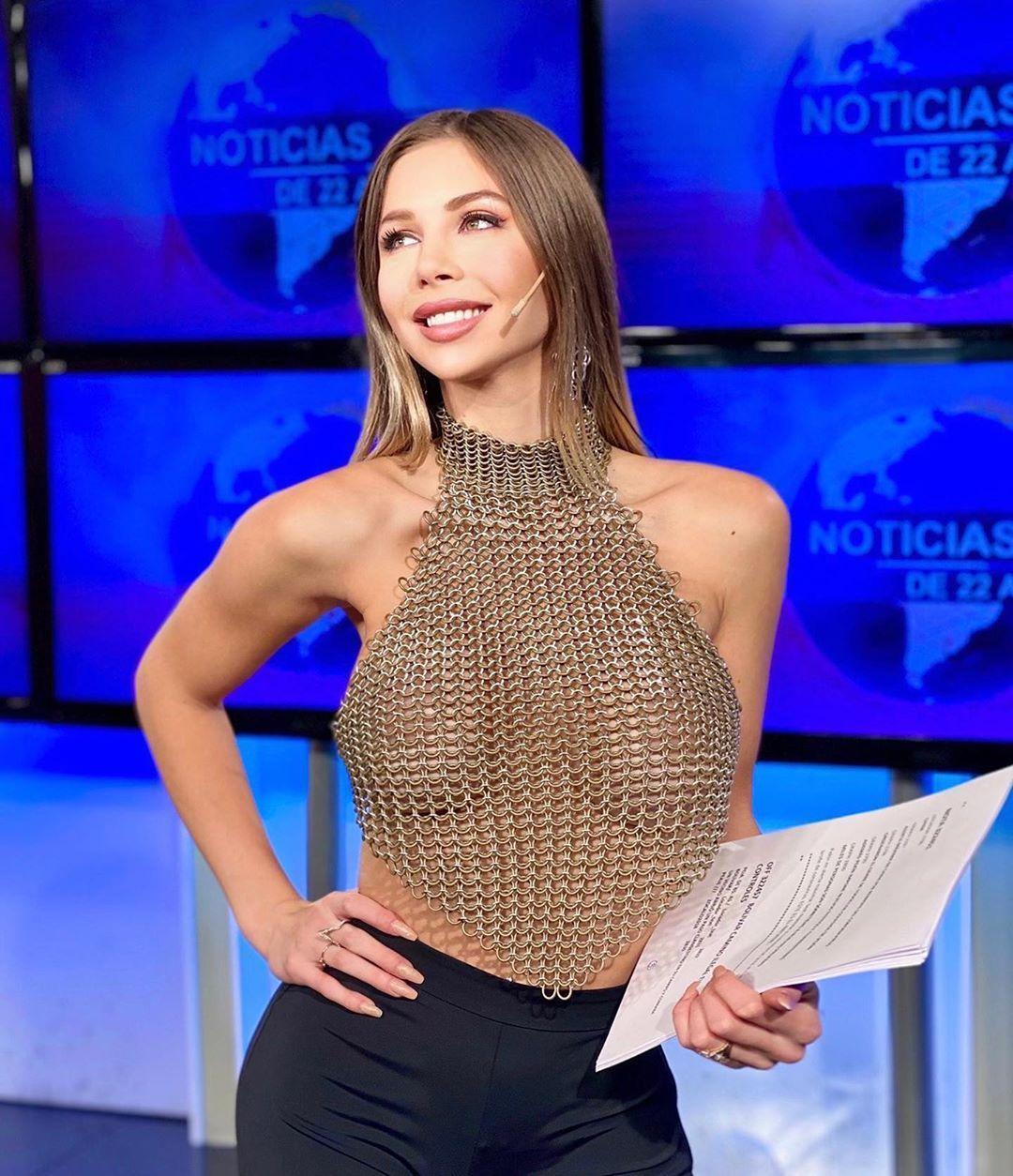 阿根廷有線電視台女主播ROMINA MALASPINA爆紅。(翻攝自ROMINA IG)