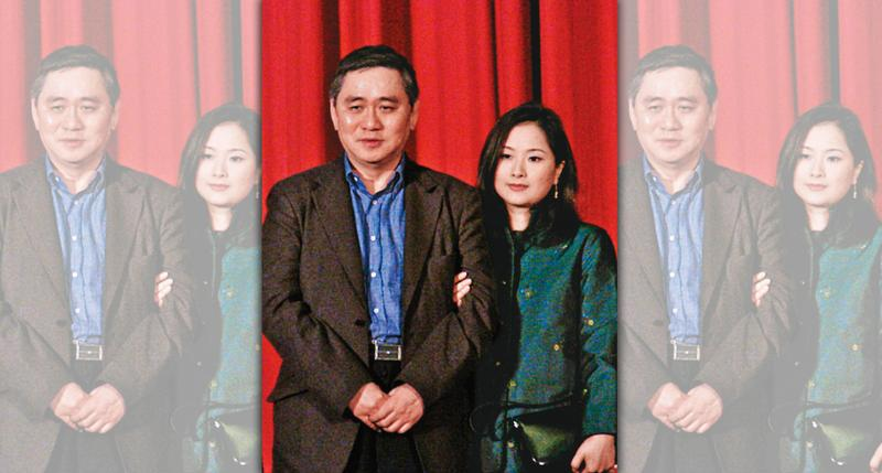 1995年間,呂安妮(右)與任教台大商研所的教授王文洋(左)爆發師生戀,王文洋為此和父親王永慶決裂而離開台塑,時隔22年後,2人傳出情變分手。(林筱穎攝,翻攝自狠攪社)