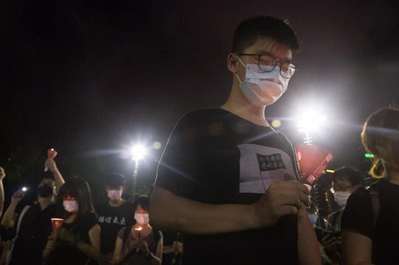 黃之鋒宣布退出香港眾志,眾志隨後也宣布解散,港人擔心接下來可能會有大抓捕的行動。(翻攝自黃之鋒臉書)