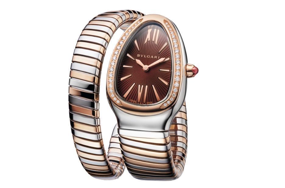 BVLGARI Serpenti Tubogas玫瑰金與精鋼紅棕面盤腕錶。NT$413,400。(寶格麗提供)