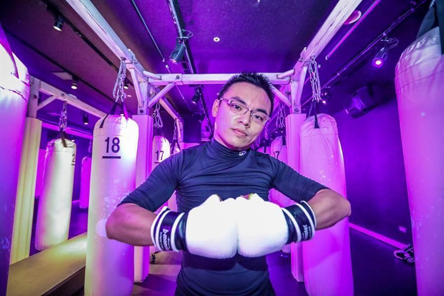 國民黨立委洪孟楷參加朱立倫邀請的拳擊特訓。(朱立倫辦公室提供)